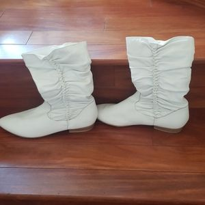 Jessica simpsom white leather boots
